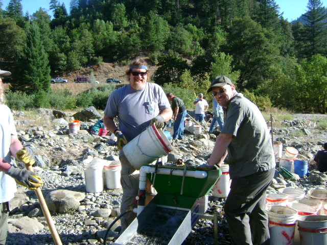 Having Fun and Finding Gold on the Klamath River! – May 2011